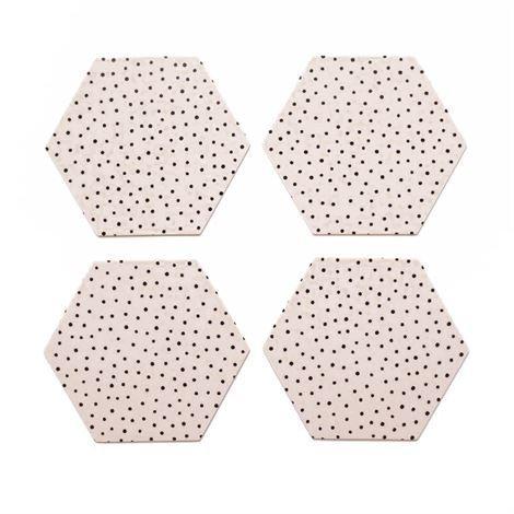 By May Polygon Lasinalusta 4 kpl Nude Vaaleanpunainen