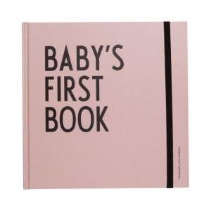 Design Letters Vauvan Ensimmäinen Kirja