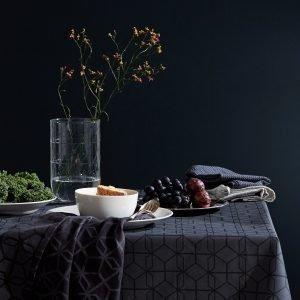 Edit Coated Tablecloth Pöytäliina Tummanharmaa 140x300 Cm
