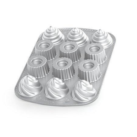 Nordic Ware Kakkuvuoka täytetty kuppikakku