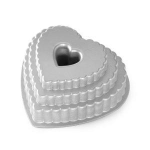Nordic Ware Tiered Heart Bundt Kakkuvuoka