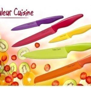 Värikäs veitsisetti